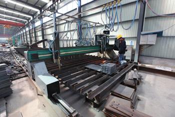 焊接H型钢生产线